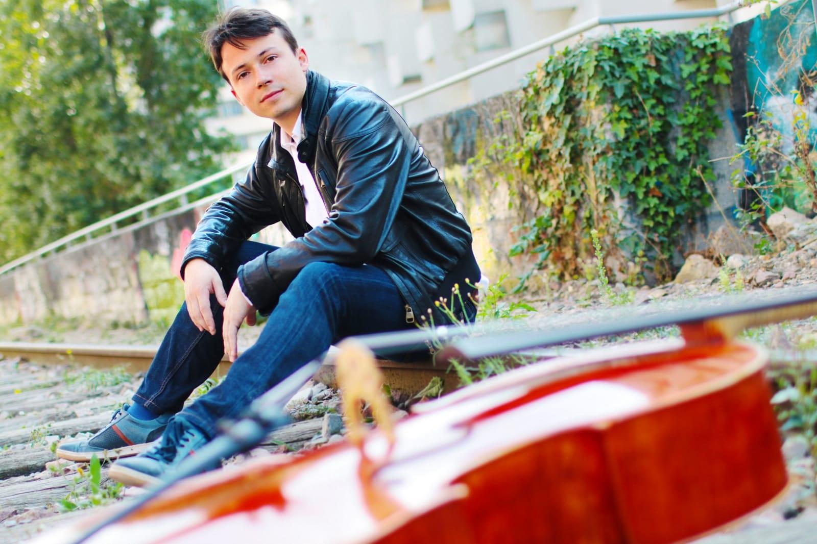 """Yan Levionnois: """"Tengo la impresión de  haber nacido con un violonchelo a mi lado"""""""