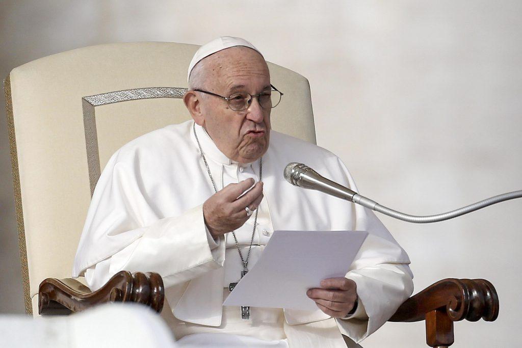 Consumismo, la 'gran enfermedad' de nuestros días: Papa Francisco