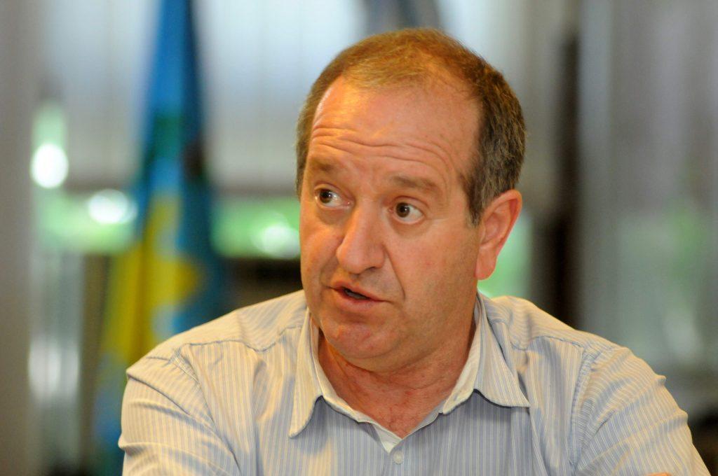 El secretario de Obras del municipio, Guillermo de Paz fue uno de los nombres que circuló como posible recambio en el gabinete.