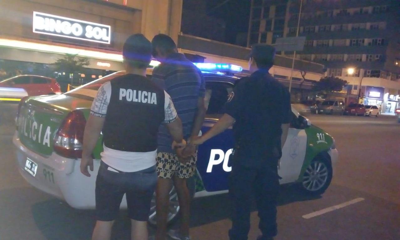 """Amplio operativo policial para controlar a los """"cuidacoches"""""""