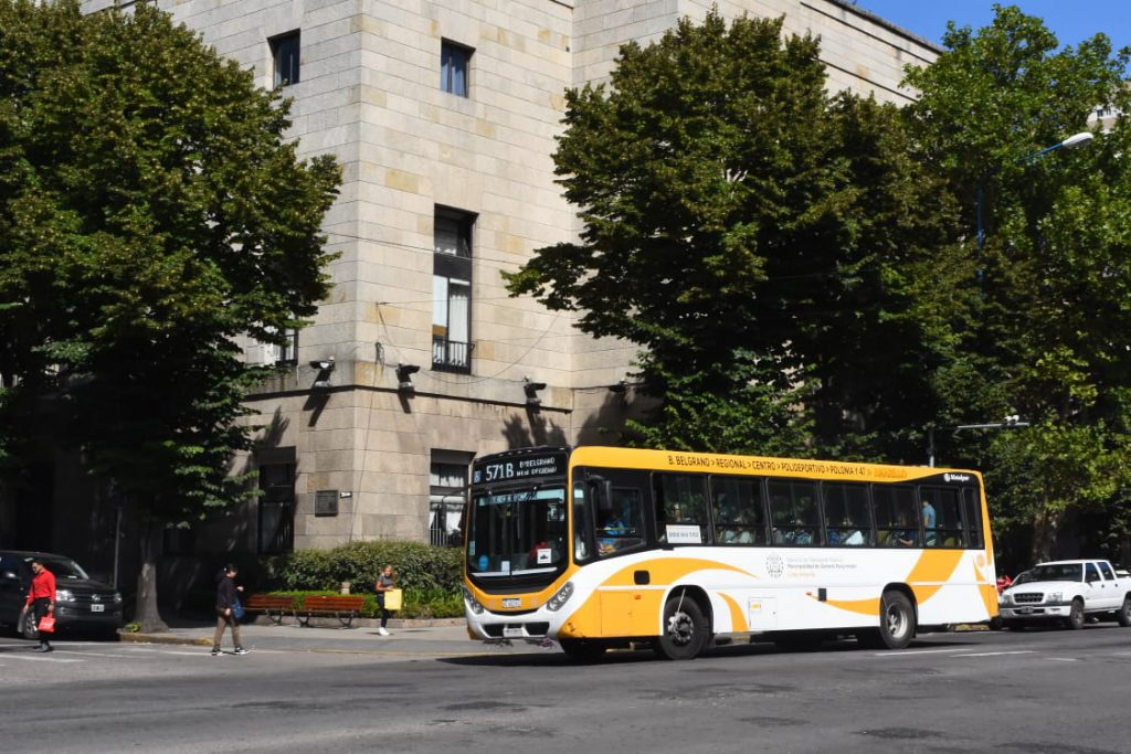 Aumento De Boleto Update: La Comisión De Transporte Aprobó Un Aumento De Boleto