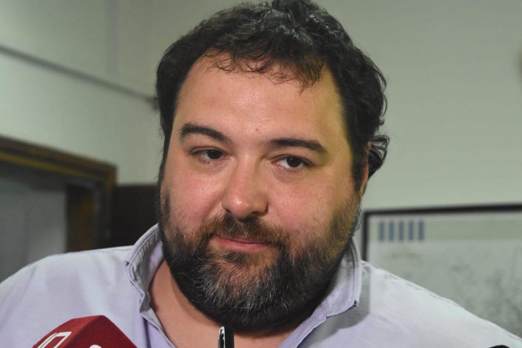 El concejal Marcelo Carrara fue el encargado de informar la suspensión de la comisión.