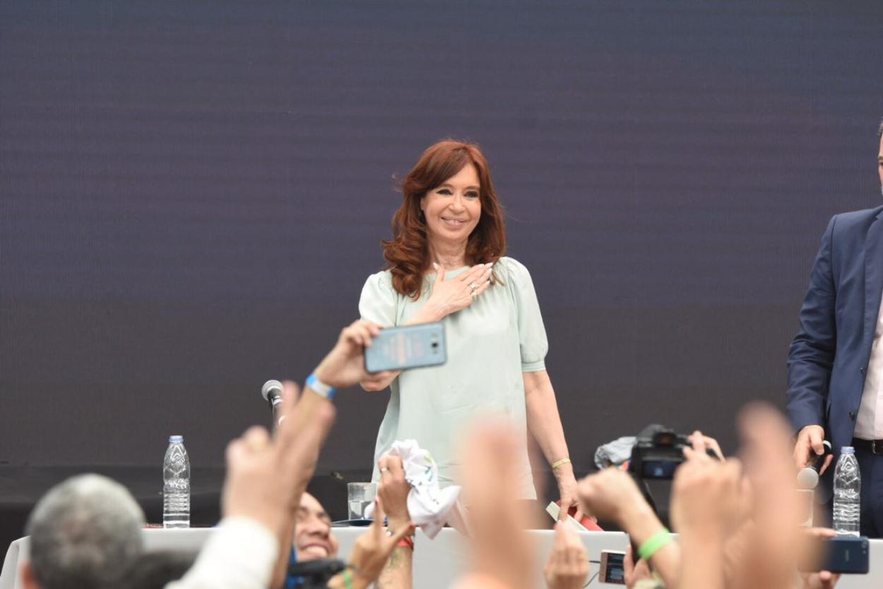 Cristina Kirchner regresó esta madrugada al país desde Cuba