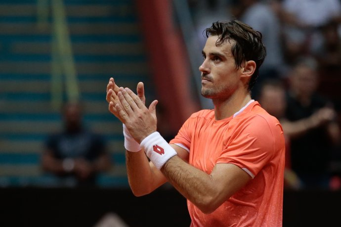 Leo Mayer tuvo un muy buen debut y ganó en Indian Wells