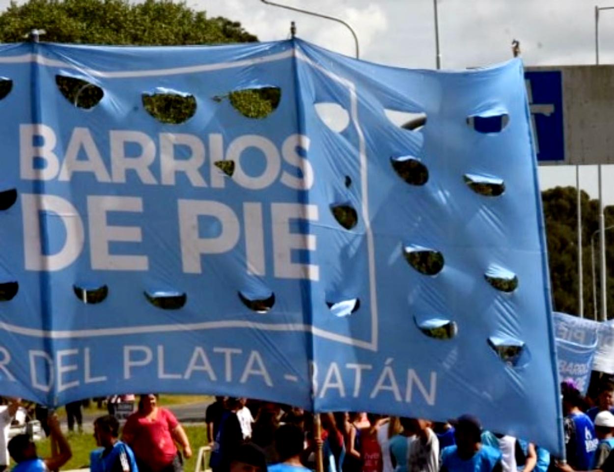 Barrios de Pie marcha a Desarrollo Social para pedir leche