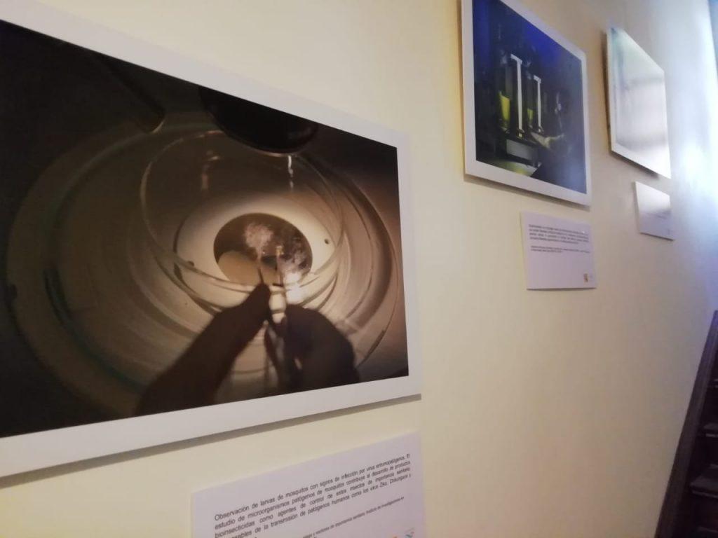 La Casa del Balcón estuvo ambientada con una muestra de fotos con los científicos en acción.