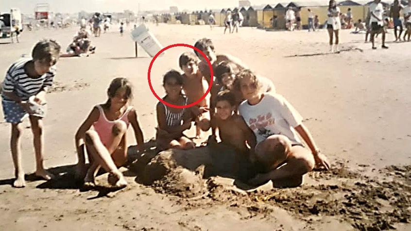 Revelan fotografía de Messi y Antonela en el verano de 1998