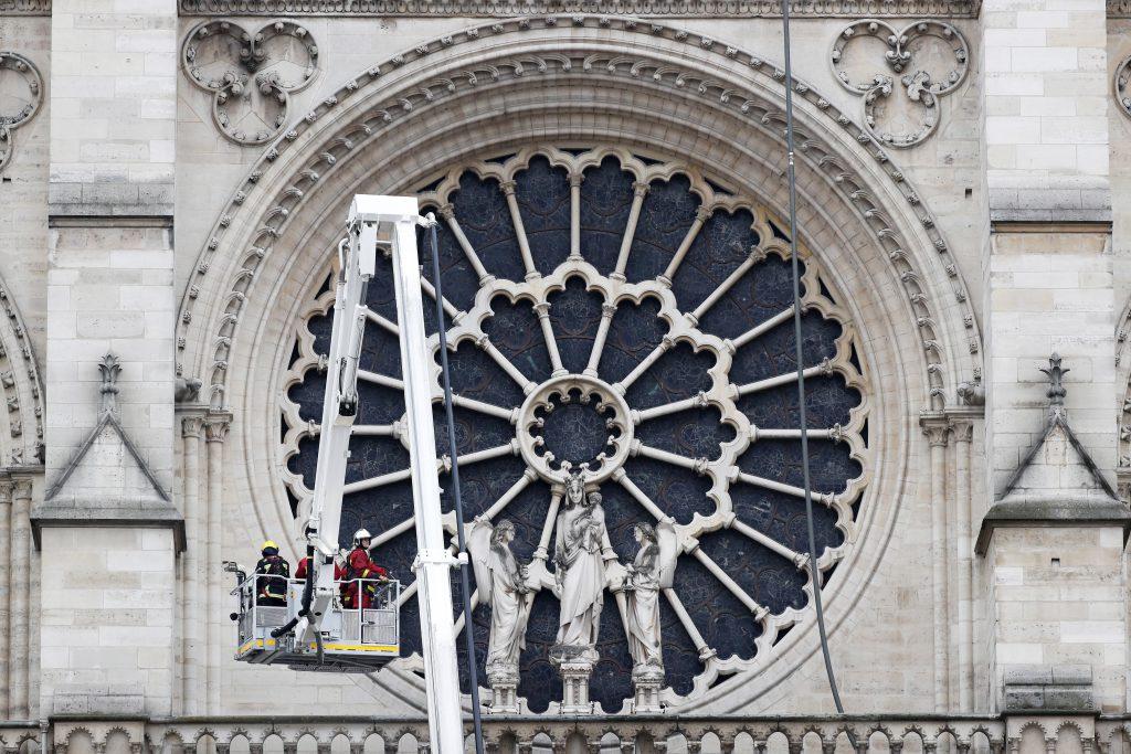 Francia evalúa los daños sufridos por la catedral de Notre Dame