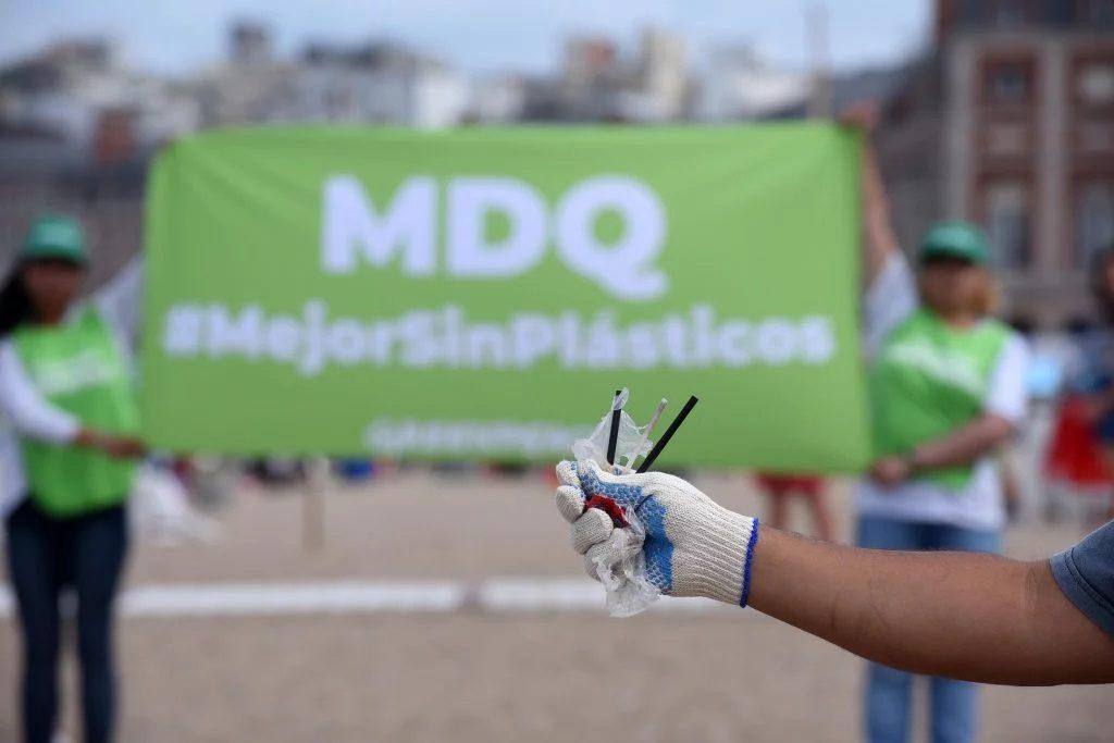 Resultado de imagen para mar del plata prohibe plastico