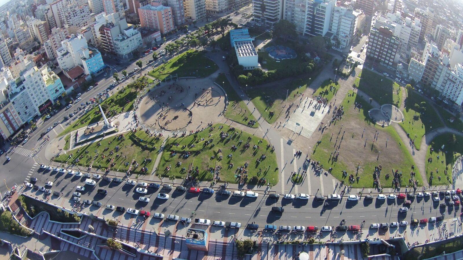 Vista aérea de Plaza España, punto de referencia del barrio La Perla.