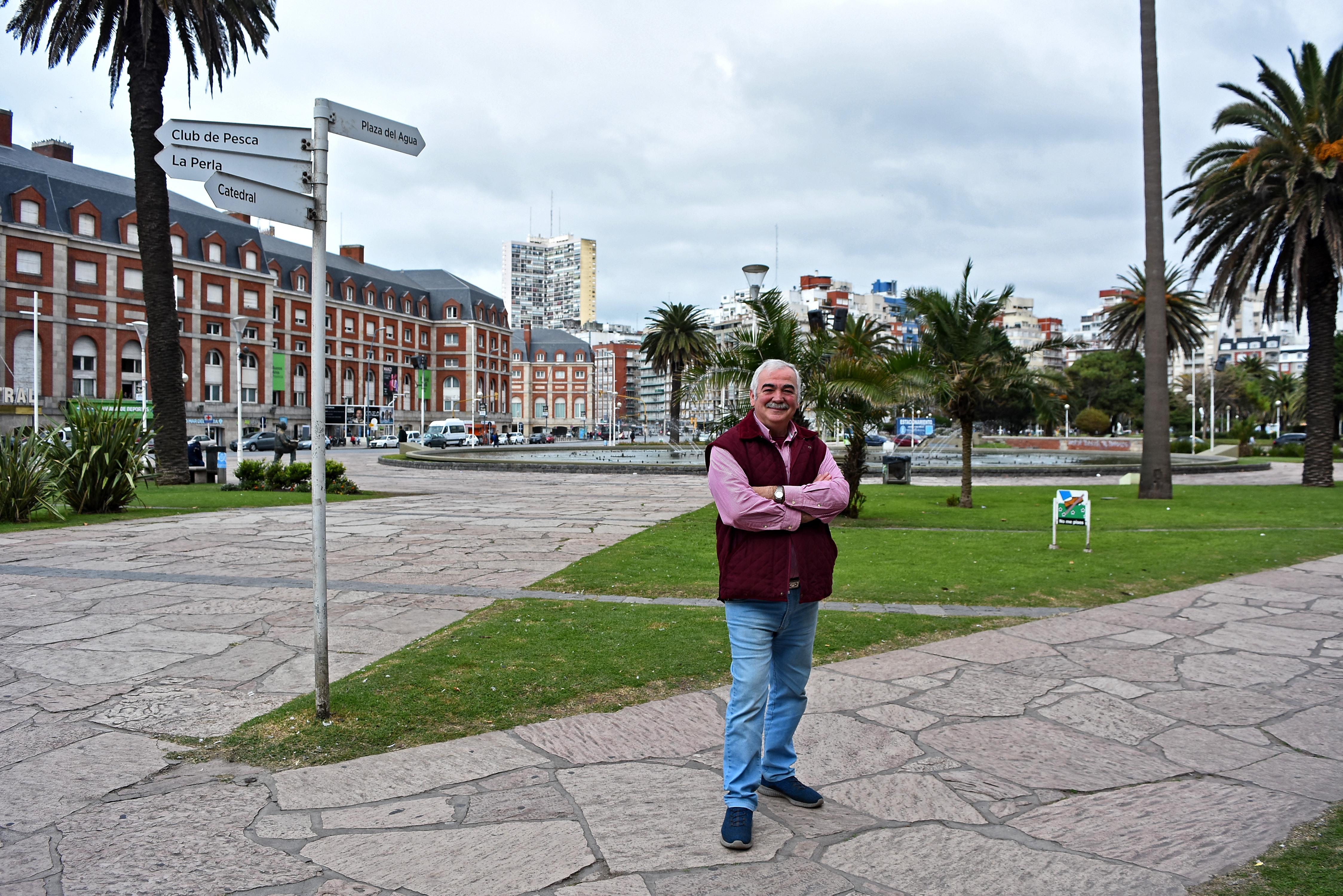 José María Conte, veinte años después, en el lugar donde estaba la manzana 115.