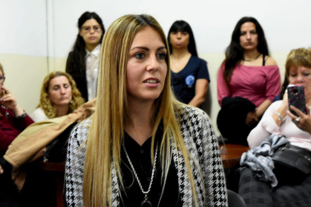 Daiana Siano, la empleada que denunció a Hernán Mourelle, en la comisión de Derechos Humanos para hablar de su caso, en octubre del año pasado. Foto: archivo.