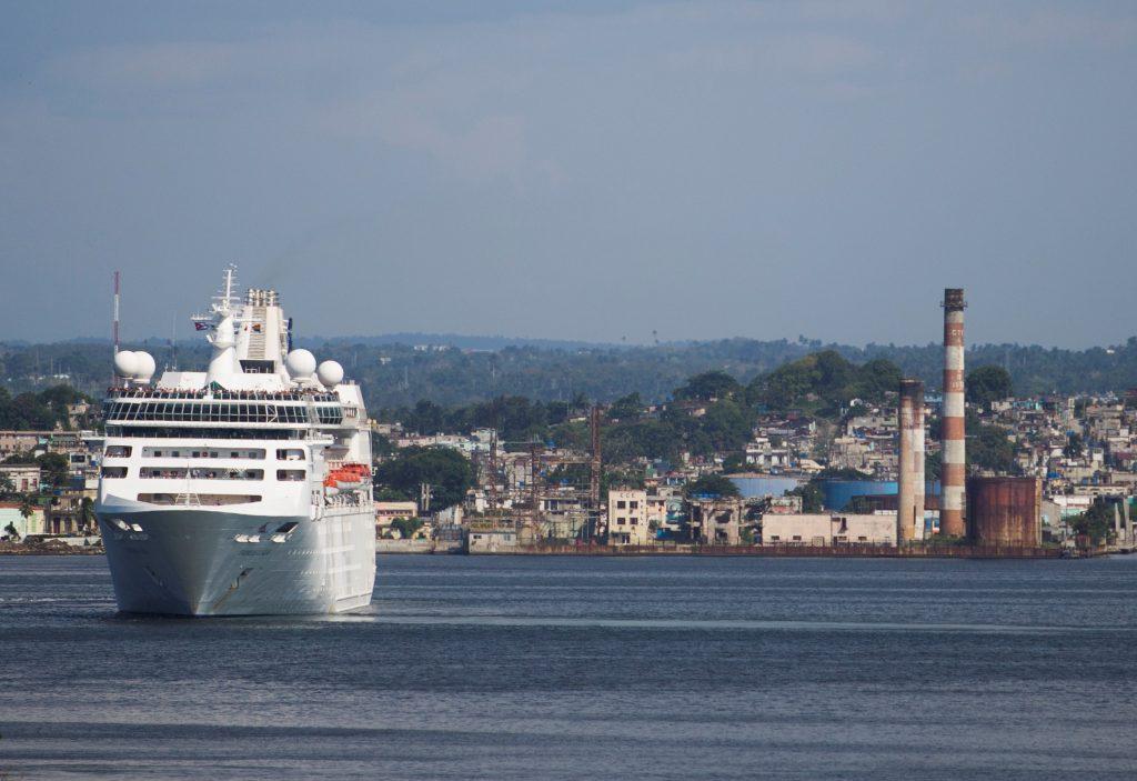 La prohibición de los cruceros a Cuba afecta a casi 800.000 reservas