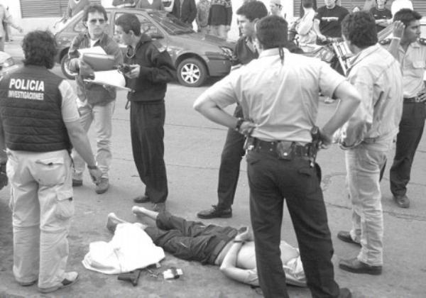 Edición del diario LA CAPITAL del día del sangriento asalto.