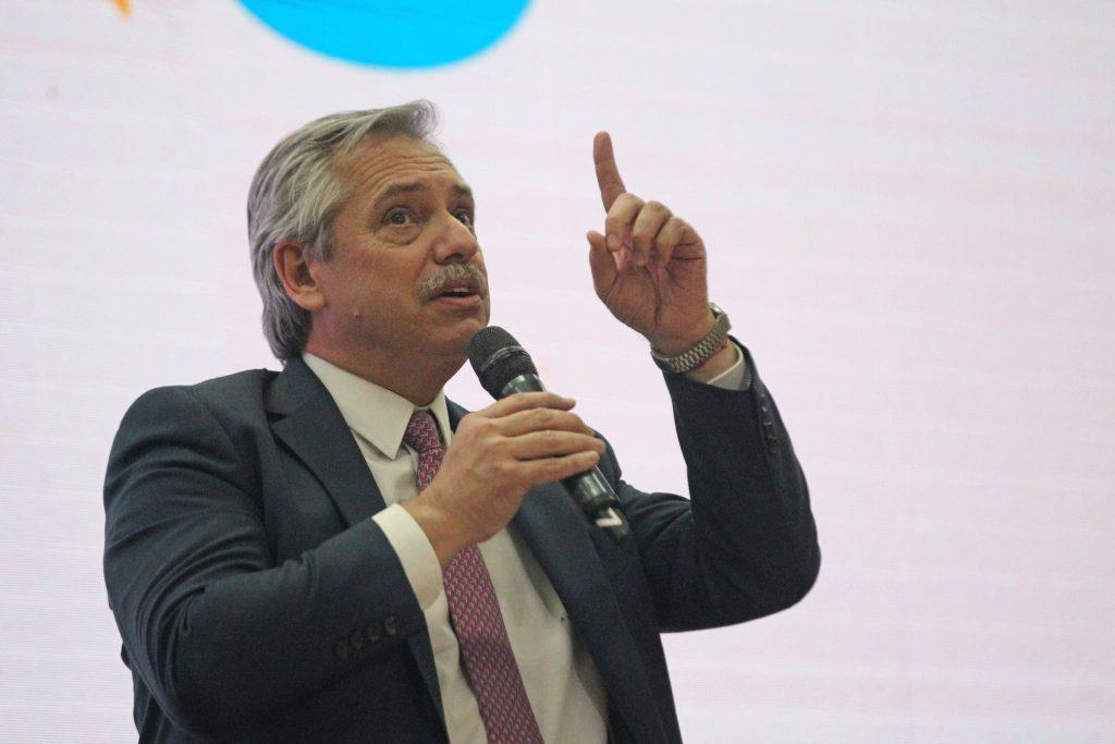 Alberto Fernández prometió remedios gratuitos para jubilados y resolver el problema a los endeudados en UVA - La Capital de Mar del Plata