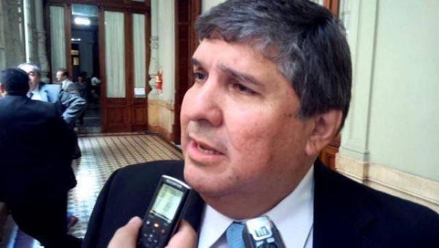 José Mayans.