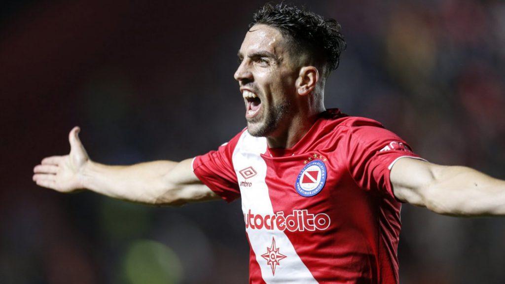 Unión derrotó por la mínima diferencia a Argentinos