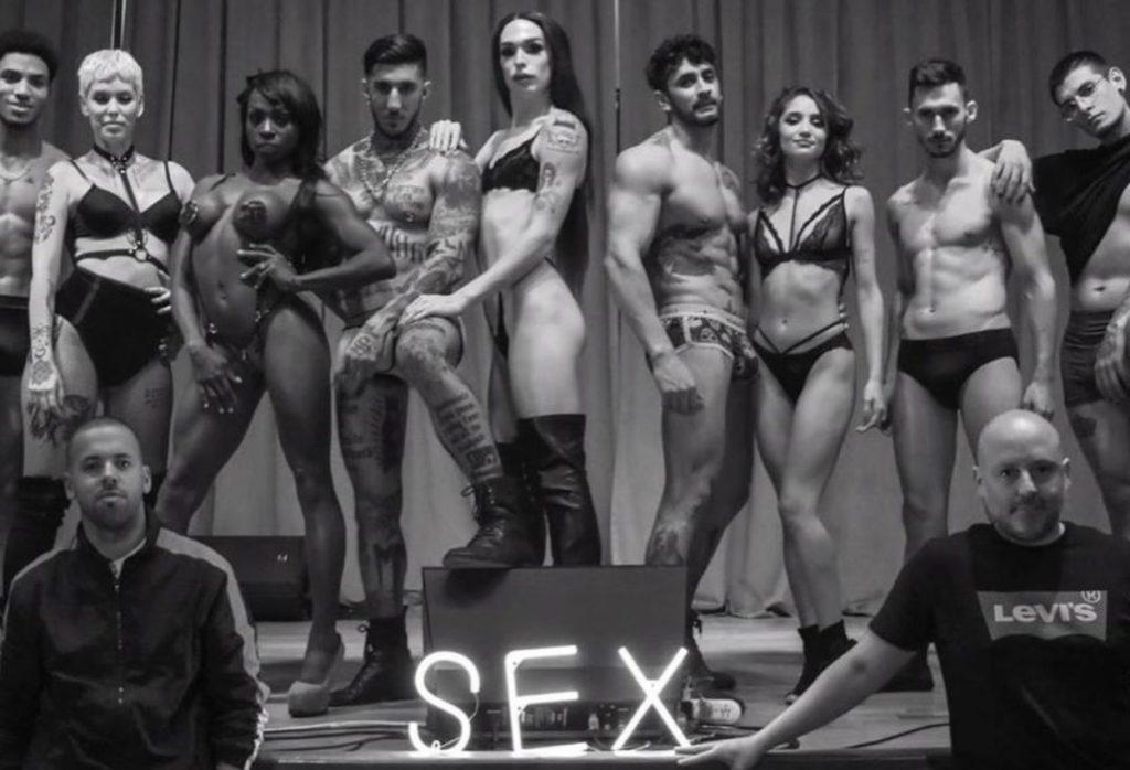 Se bajó Gasalla, llega Sex con Muscari en la misma sala « Diario ...
