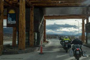 La llegada de la caravana motoquera a El Calafate.