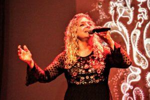 Patricia Mónica Ruiz es, también, cantante y actriz.