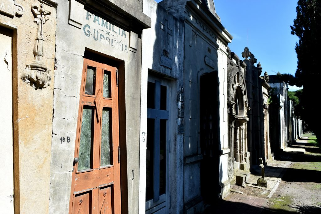 Bóveda actual de Graciano Urrutia, en el cementerio de la Loma de Mar del Plata. Foto Mauricio Arduin
