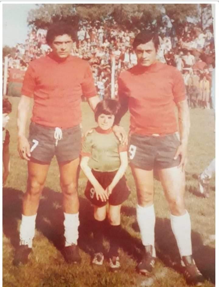 Jorge Maldonado junto a Oscar, su hermano.