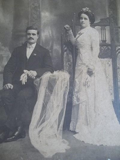 Graciano Urrutia y su esposa Emilia Isabel Rizzo, en una imagen del día de su boda, el 23 de abril de 1910.