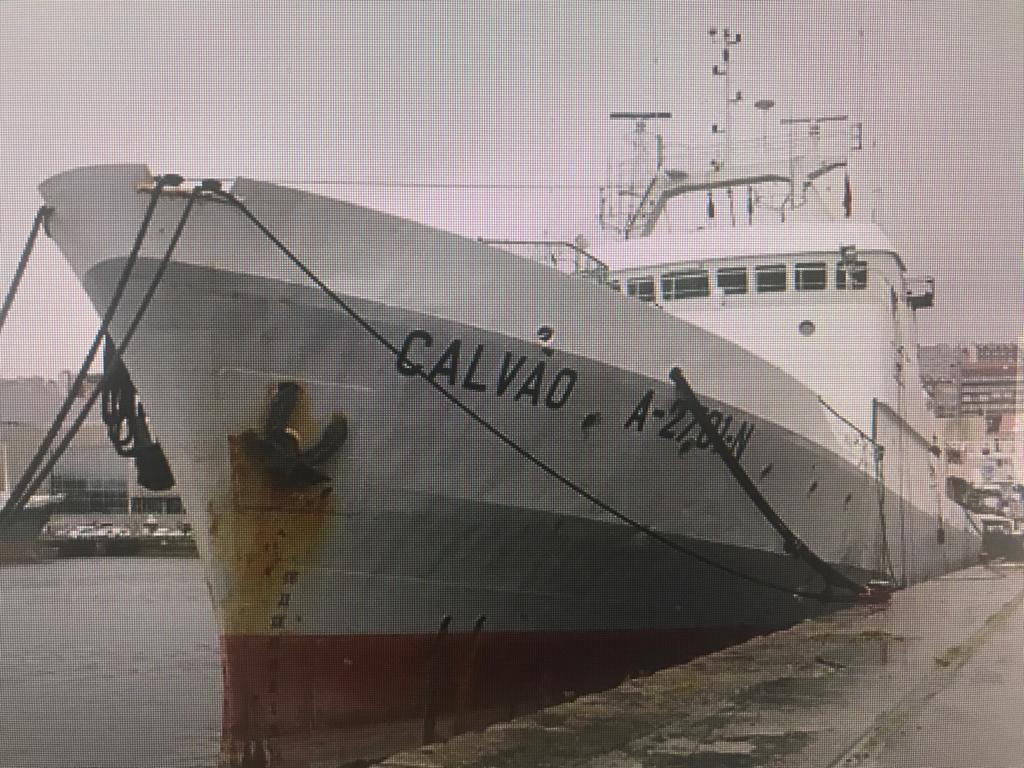 Detienen a buque portugués pescando ilegalmente en el mar ...
