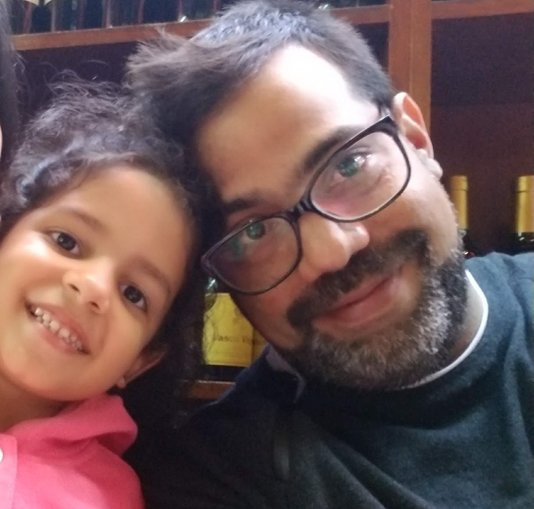 Lander Machado, médico del SAME, disfrutó el domingo con su tesoro más preciado, el amor de su hija Valentina.