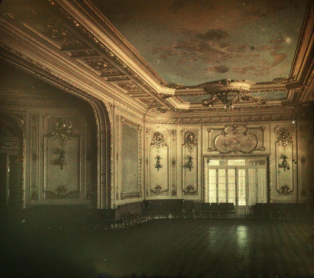 Uno de los magníficos salones del Club Mar del Plata, que se hallaba en Luro y la costa.