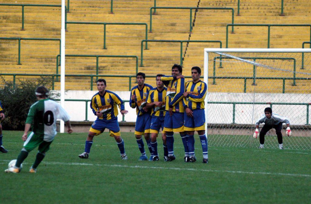 Como casi siempre, el tiro libre de Otero terminó en gol.