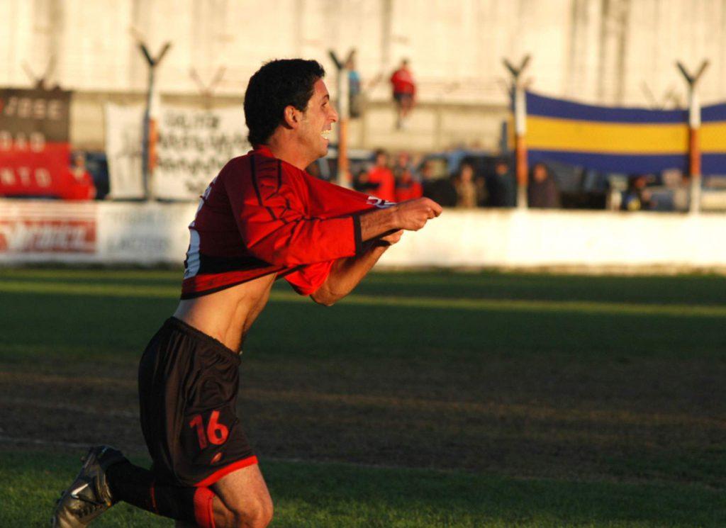 Vuoso hizo 23 goles para San José en 2010.