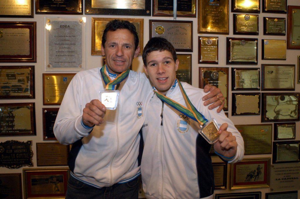 El oro panamericano junto a Juan Curuchet. Para bien y para mal, los Panamericanos 2007 fueron una gran marca en su carrera.
