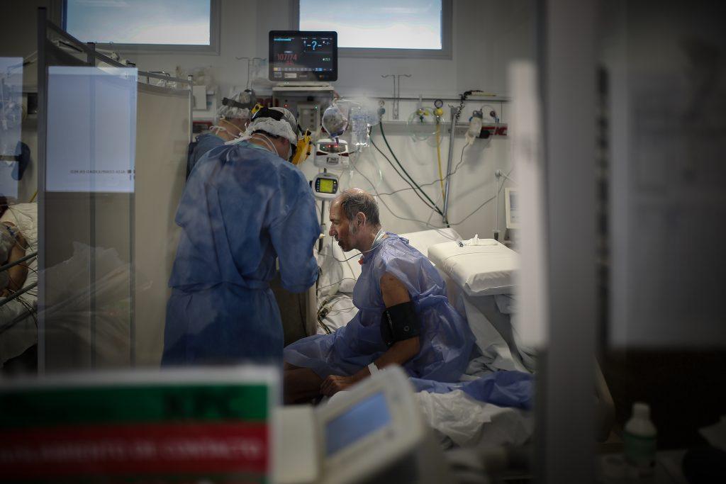 En las últimas 24 horas hubo 264 muertos y 11.674 casos