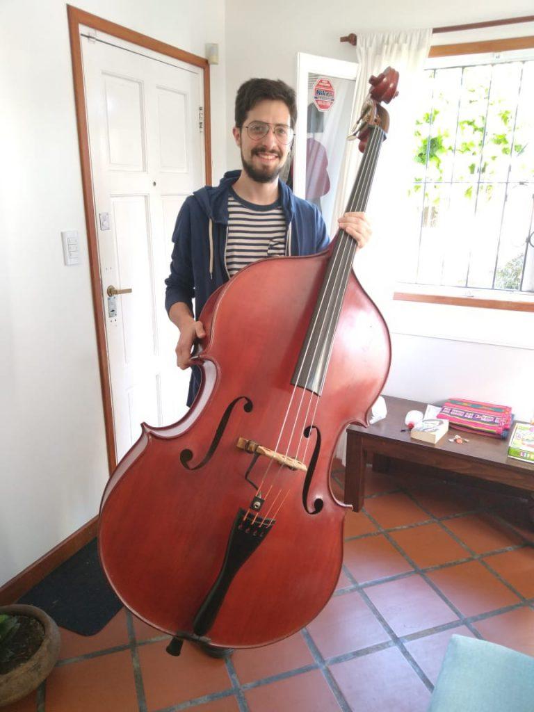 Soldi a poco de recuperar el instrumento.