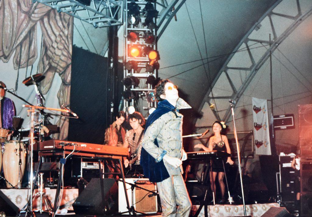 Fito Páez en medio de la presentación de Circo Beat.
