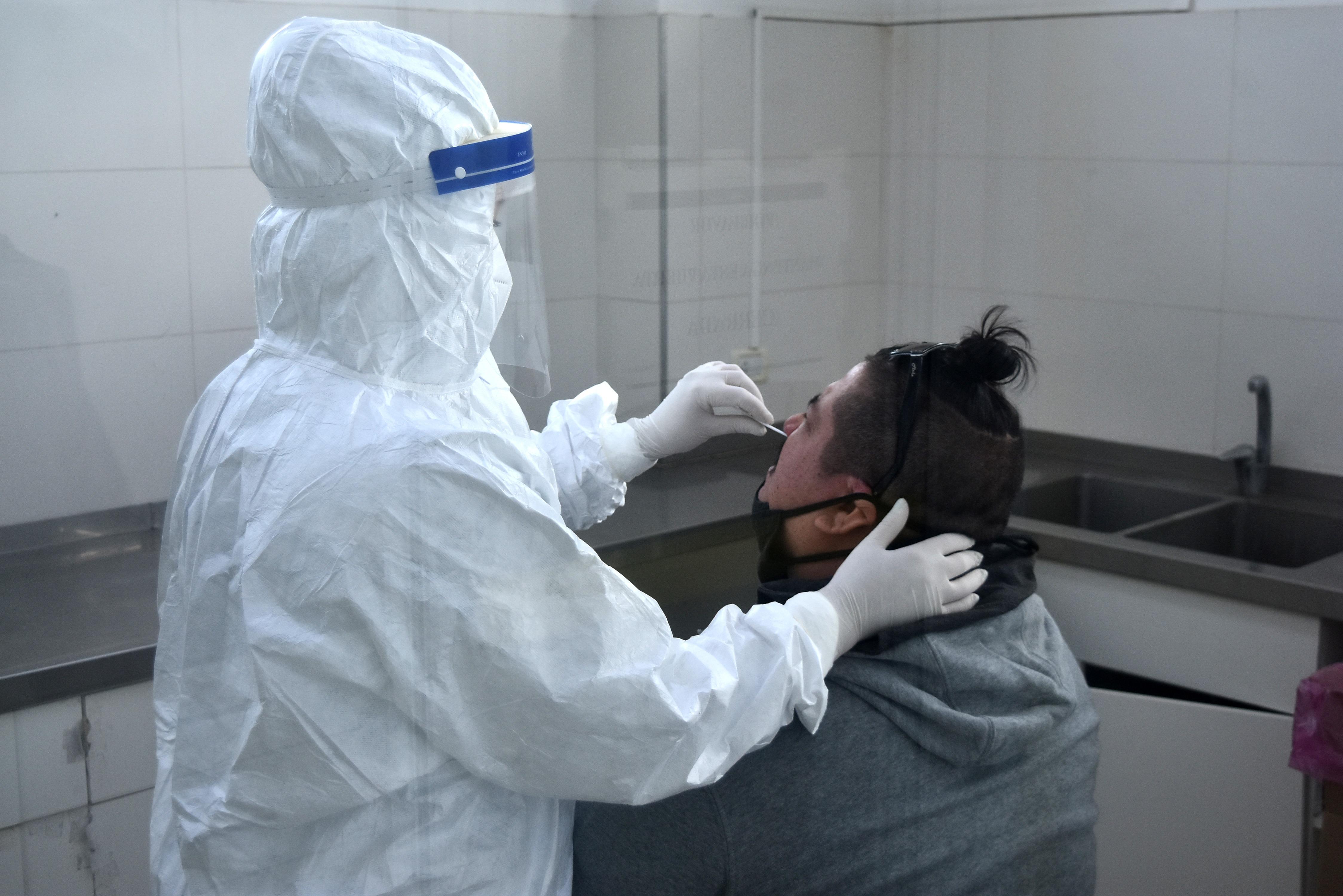 En lo que va de abril ya se detectaron más casos positivos de coronavirus que en todo marzo.