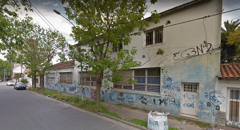 En edificio ubicado en Guido N°652 funcionan ambas escuelas.