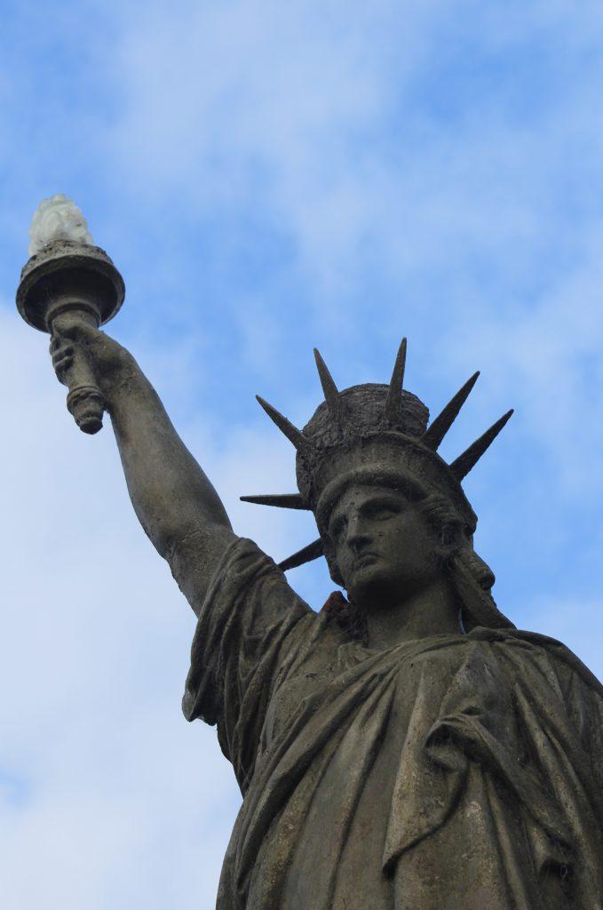 La Estatua de la Libertad de Pirán es una copia fiel, de matrices originales.