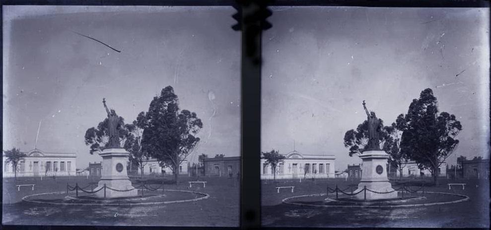 De las imágenes más remotas de la plaza Libertad de Pirán. Foto Museo Fernandez Blanco.