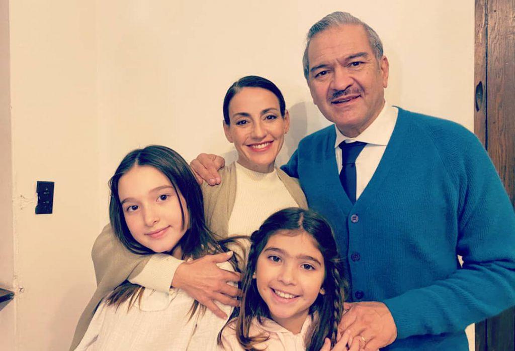 Evaristo, Rosario e hijas