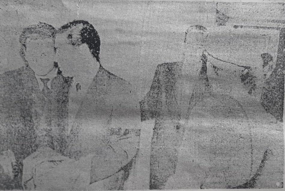 Documento fotográfico de 1958 cuando Micalizzi se entregó a la Justicia.